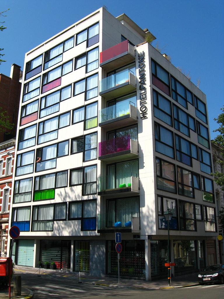 pantone_hotel_brussels_street_view_fancyoli