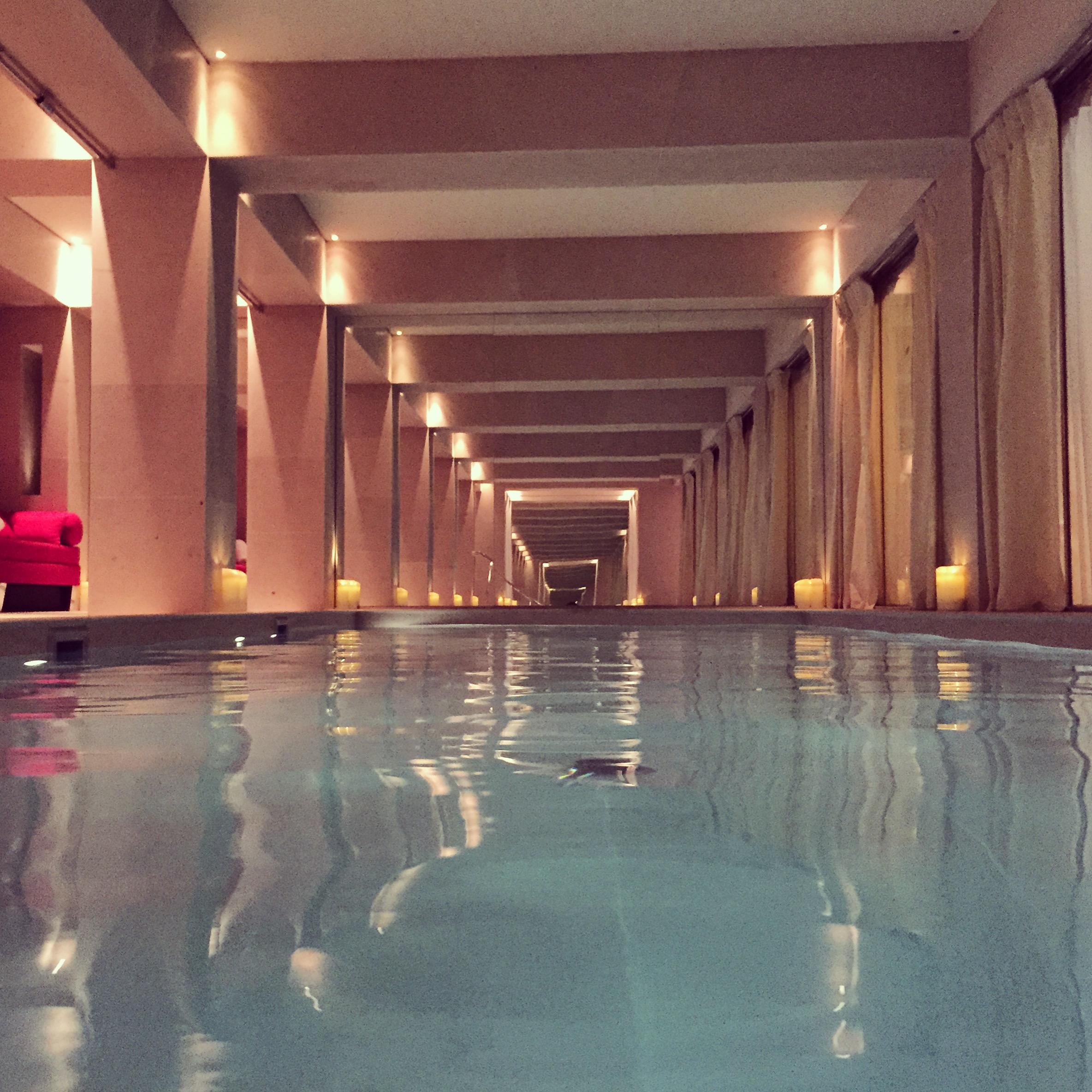 la_reserve_paris_hotel_pool_fancyoli
