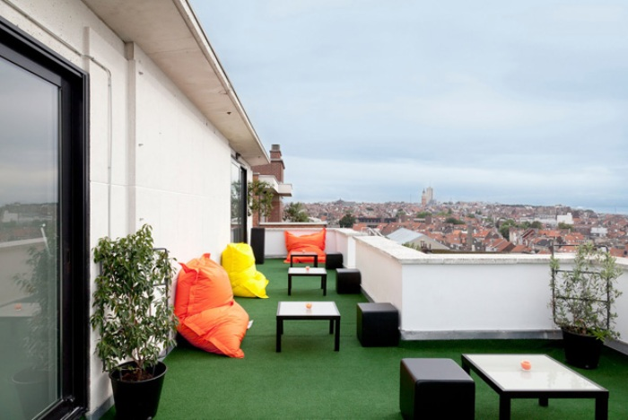 pantone_hotel_brussels_room_terrace_view_fancyoli