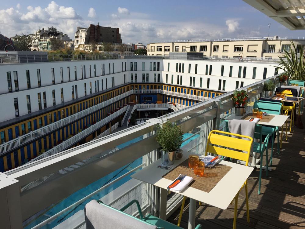 Le restaurant toit terrasse molitor paris fancyoli for Piscine chic paris