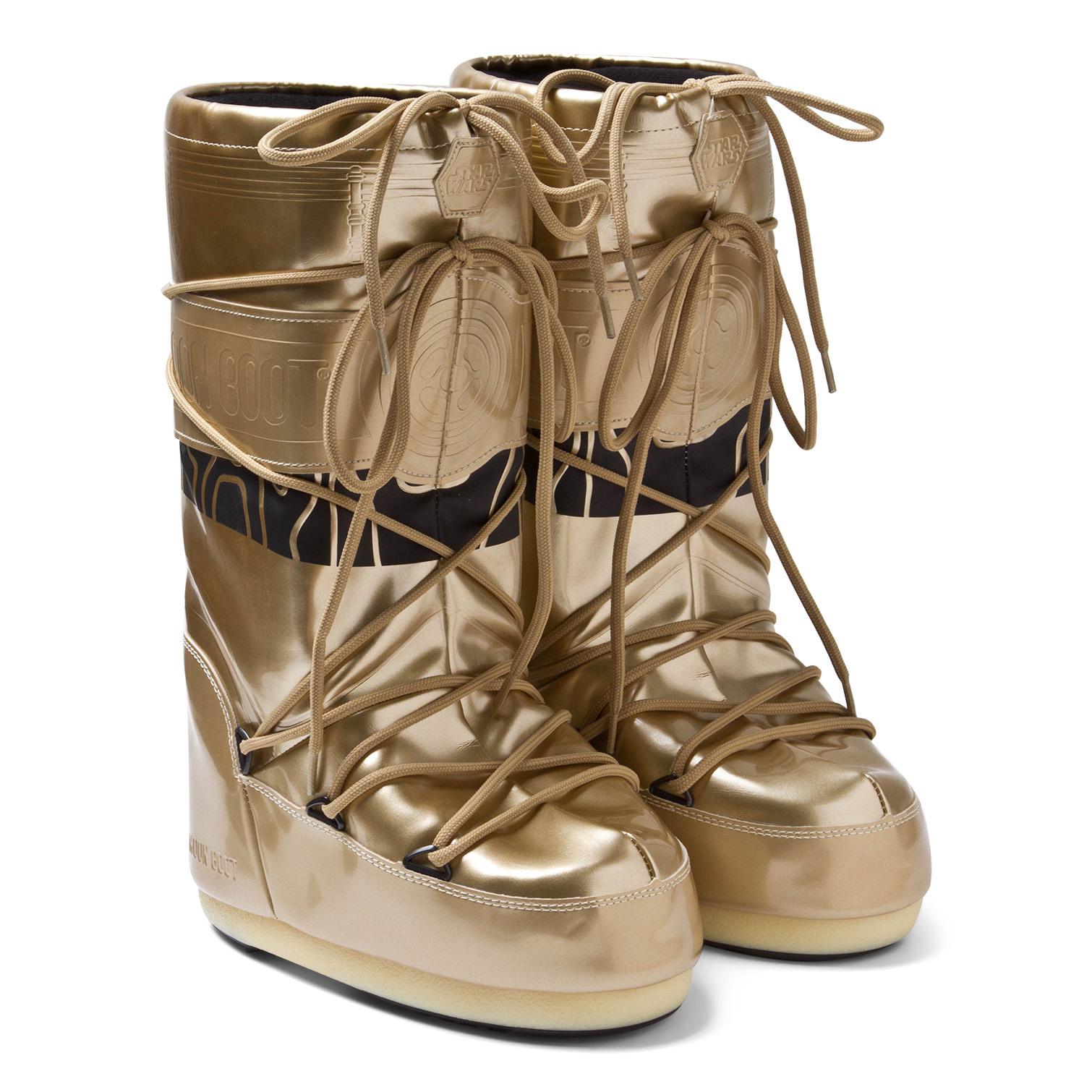 AlexandAlexa-Moon-Boot-Star-Wars-C-3PO-Moon-Boots-£125