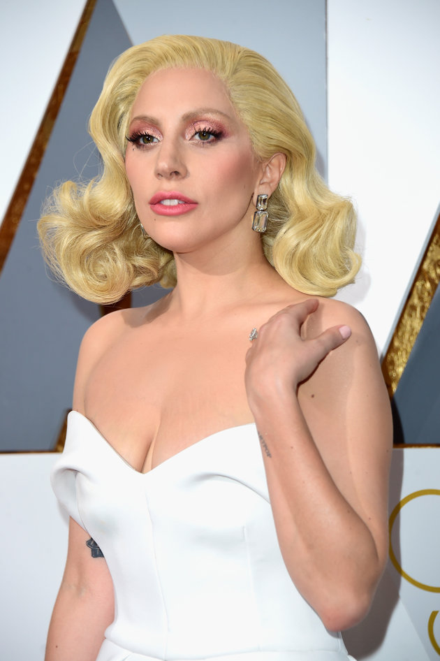 HOLLYWOOD, CA - FEBRUARY 28: Singer Lady Gaga attends the 88th Annual Academy Awards at Hollywood & Highland Center on February 28, 2016 in Hollywood, California. (Photo by Frazer Harrison/Getty Images)