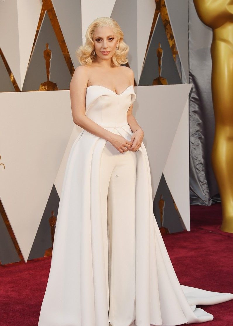 lady-gaga-taylor-kinney-oscars-2016-red-carpet-08